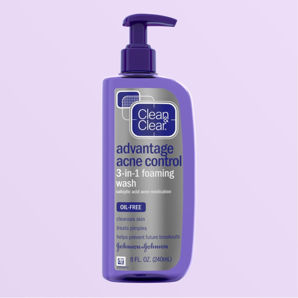 Clean & Clear Essentials Deep Cleaning Toner, 8 fluid ounce blue squeeze bottle with purple cap