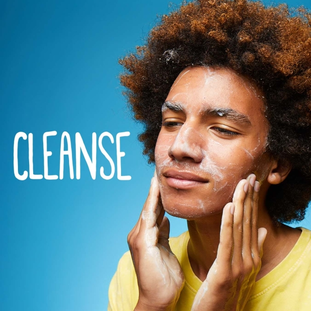 Facial Cleansing with Clean and Clear